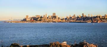 San Francisco Skyline van Alcatraz Stock Fotografie