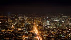 San Francisco-Skyline von den Doppelspitzen Stockfotos