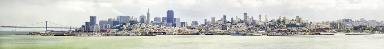 San Francisco-Skylinepanorama, Kalifornien Stockfotos