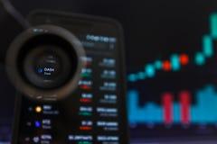 SAN FRANCISCO, USA - 9 mai 2019 : Un graphique de tendance à la hausse de tiret Cryptocurrency r images stock