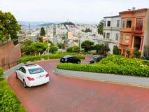 San Francisco USA - Maj 04, 2016: Sikt av Lombardgatan i Kalifornien Royaltyfria Foton