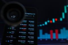 SAN FRANCISCO, USA - 9 2019 Maj: Wykres Wzrastający trend PIVX Cryptocurrency Ilustracja Zielonych ?wieczek Pr?towy d?wiganie obraz stock