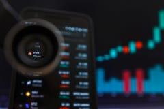 SAN FRANCISCO, USA - 9 2019 Maj: Wykres Wzrastający trend XMR Monero Cryptocurrency r obraz stock