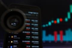 SAN FRANCISCO, USA - 9 2019 Maj: Wykres Wzrastający trend ZEC Zcash Cryptocurrency r zdjęcie stock