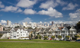 SAN FRANCISCO USA - NOVEMBER 1, 2012: Målad damtoalett arkivbild