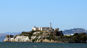 SAN FRANCISCO, USA - 4. Oktober 2014: Alcatraz-Inselgefängnis in der Bucht Lizenzfreie Stockfotografie