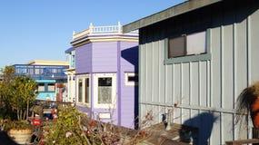 SAN FRANCISCO USA - OKTOBER 4th, 2014: En gemenskap på vattnet i Sausalito som svävar returnerar i nordliga Kalifornien Arkivfoto