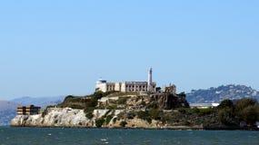 SAN FRANCISCO USA - OKTOBER 4th, 2014: Straffanstalt för Alcatraz ö i fjärden Royaltyfri Fotografi