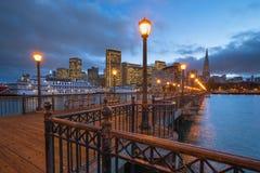 San Francisco View från pir 7, Kalifornien Fotografering för Bildbyråer