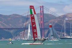 San Francisco während des Schlusses des Amerika's Cup 2012. Lizenzfreie Stockfotos