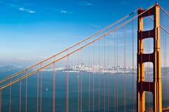 San Francisco y el puente de puerta de oro Foto de archivo