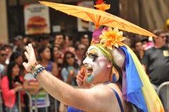 SAN FRANSISCO †'CZERWIEC 28: Paraders na Targowej ulicie w SF P Zdjęcie Stock