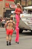 SAN FRANSISCO †'CZERWIEC 28: Paraders na Targowej ulicie w SF P Zdjęcia Stock