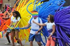 SAN FRANSISCO †'CZERWIEC 28: Paraders na Targowej ulicie w SF P Zdjęcia Royalty Free