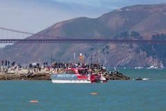 SAN FRANSISCO CA, SIERPIEŃ, - 26: Urzędnika Amrica filiżanki łódź w Obrazy Stock