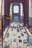 SAN FRANSISCO, usa - KWIECIEŃ 07: Golden gate bridge żywy dzień Zdjęcia Stock