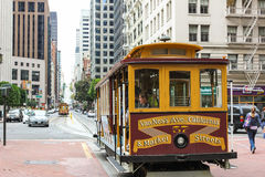 San Fransisco wagonu kolei linowej czekanie dla pasażera Obrazy Stock