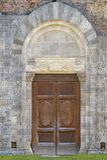 San Galgano: Antyczny opactwo San Galgano, jest mirable przykładem romańszczyzny architektura w Tuscany Chiusdino, Siena, Włochy obraz stock