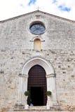 San Gemini, It?lia Fachada da igreja Cat?lica Chiesa di San Francesco fotos de stock