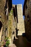San Gimignano è una piccola città medievale della collina in Toscana Immagine Stock Libera da Diritti