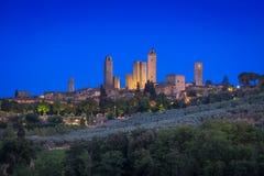 San Gimignano et heure bleue Photos stock