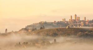 San Gimignano am Sprung von Dämmerung Stockfotos