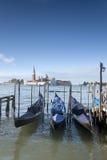 San Giorgio Maggiore Church e barcos da gôndola, Veneza Foto de Stock