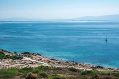 San Giovanni Di Sinis linia brzegowa na słonecznym dniu w Sardinia Zdjęcia Royalty Free