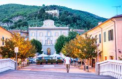 SAN GIULIANO TERME, ITALIEN - 17. AUGUST 2015: Marktplatz im fron Stockfoto