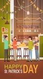 San interno Patrick Day Celebration, insegna del pub del gruppo della gente di festival della birra del partito Immagini Stock Libere da Diritti