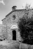 San Jacopo kyrkafachade på San Gimignano BW Royaltyfri Foto