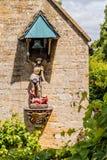 San Jorge y Dragon Statue, señorío de Snowshill, Gloucestershire, Inglaterra Foto de archivo