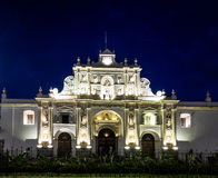 San Jose Cathedral nachts - Antigua, Guatemala Lizenzfreie Stockbilder