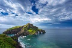 San Juan de Gaztelugatxe in paese basco immagini stock libere da diritti