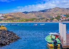 San Juan del Sur, Nicarágua - 11 de maio de 2018: Vista de alguns barcos no cais do sur de San Juan Del na costa do oceano dentro Foto de Stock Royalty Free
