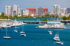 San Juan, fotoricettore - belle baia e barche di San Juan Fotografia Stock