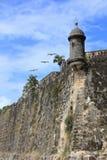 San Juan Paseo del Morro mit Wachposten und Pellicans Lizenzfreie Stockbilder