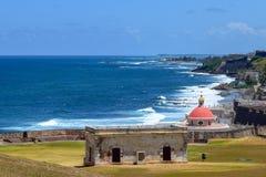San Juan, Porto Rico - 2 aprile 2014: Vista che trascura Santa Maria Magdalena de Pazzis Cemetery fotografia stock