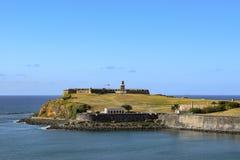 San Juan, Puerto Rico - April 02 2014: Mening van de oceaan van Castillo San Felipe del Morro stock foto's