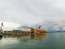 San Juan, Puerto Rico - 8 de mayo de 2016: La fascinación del barco de cruceros del carnaval en el muelle Fotos de archivo