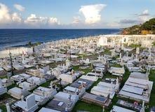SAN JUAN PUERTO RICO - SEPTEMBER, 2017: Överblick av Cementerioen de Arkivbilder