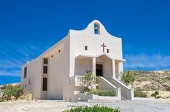 San Lawrenz, Malta - Maj 8, 2017: Kapell av St Anna på den Gozo ön nära Azure Window Arkivfoton