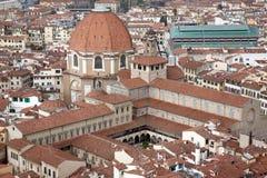 San Lorenzo Church in Florence stock foto