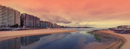 San- Lorenzostrand, Gijon, Spanien Lizenzfreies Stockfoto