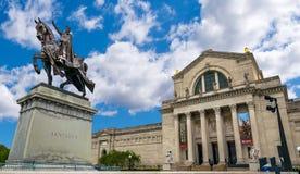 San Louis Equestrian Statue e san Louis Art Museum fotografia stock