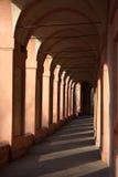 San Luca拱廊在波隆纳,意大利 图库摄影