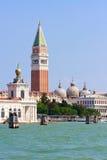 San Marco und Glockenturm stockbild