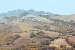 San Marino San Marino - 10 Augusti 2017: Panoramautsikt av den lokala omgivningen Arkivfoto