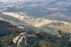San Marino San Marino - 10 Augusti 2017: Panoramautsikt av den lokala omgivningen Royaltyfri Bild