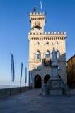 San Marino DE REPUBLIEK VAN SAN MARINO - Liberty Square, voor het Overheidspaleis in San Marino Royalty-vrije Stock Fotografie